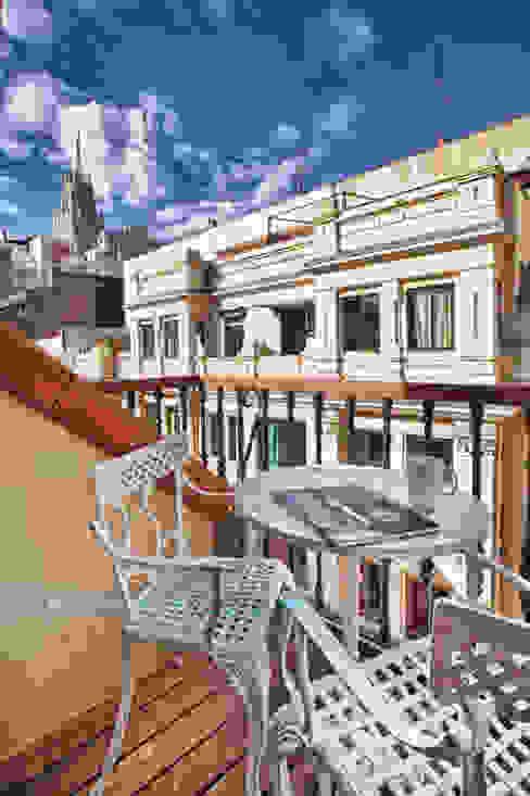 Varandas, marquises e terraços clássicas por Javier Zamorano Cruz Clássico