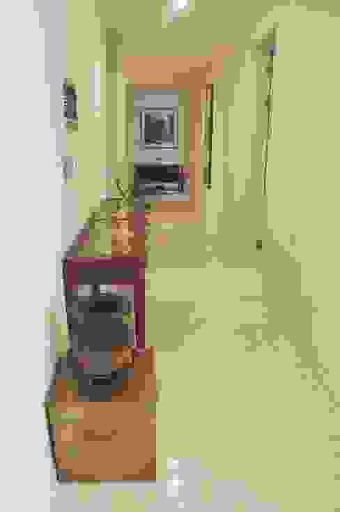 NEW EASYSTONE Delicato cream 600*600 Corredores, halls e escadas clássicos por (주)이지테크(EASYTECH Inc.) Clássico