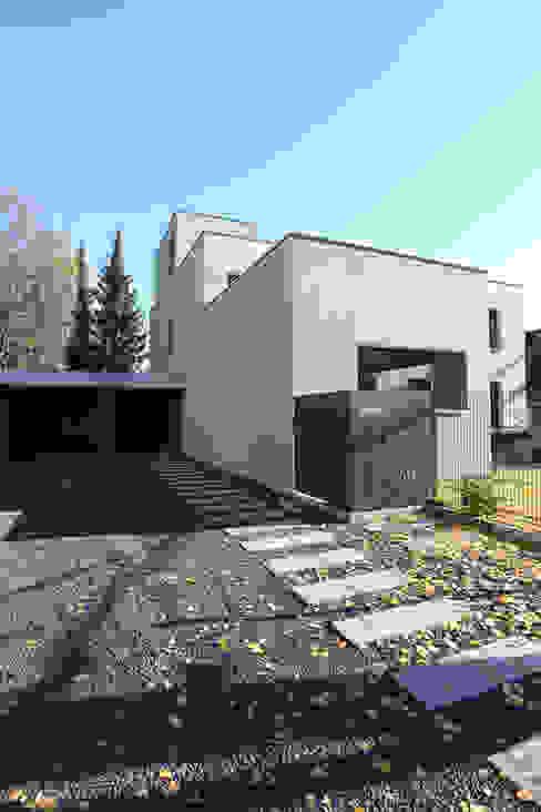 by Neugebauer Architekten BDA