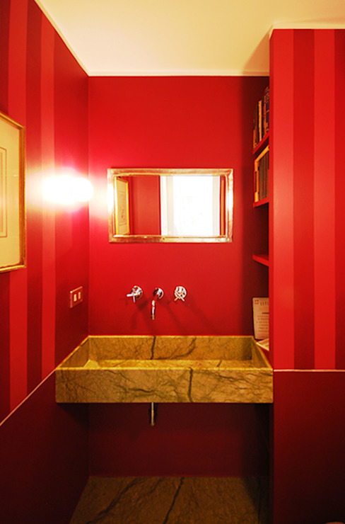 Modern bathroom by andrea borri architetti Modern