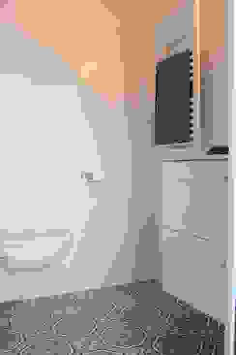 Ванная комната в стиле модерн от Insides Модерн