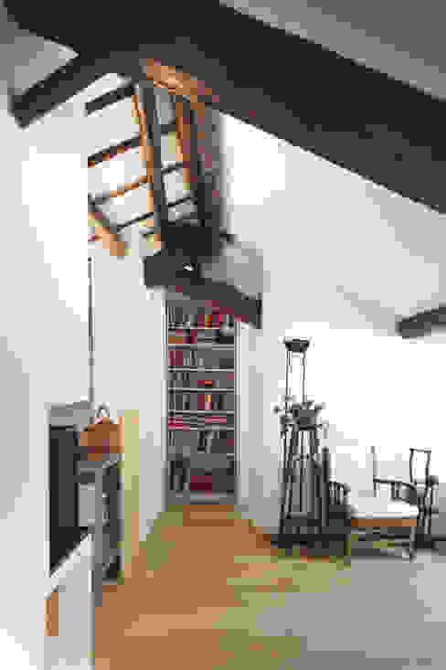 Modern living room by 02arch Modern