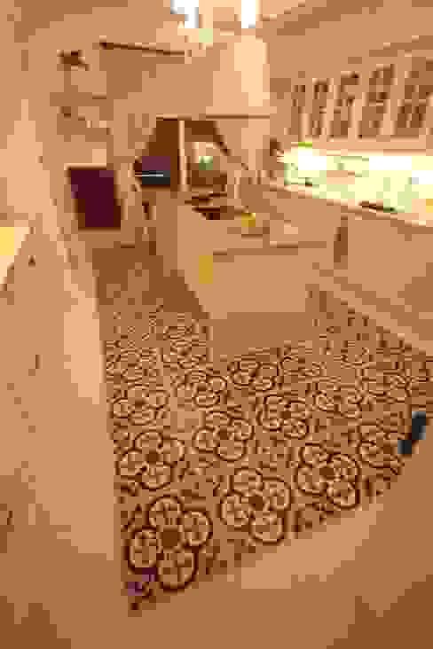 Nhà bếp phong cách mộc mạc bởi DerganÇARPAR Mimarlık Mộc mạc