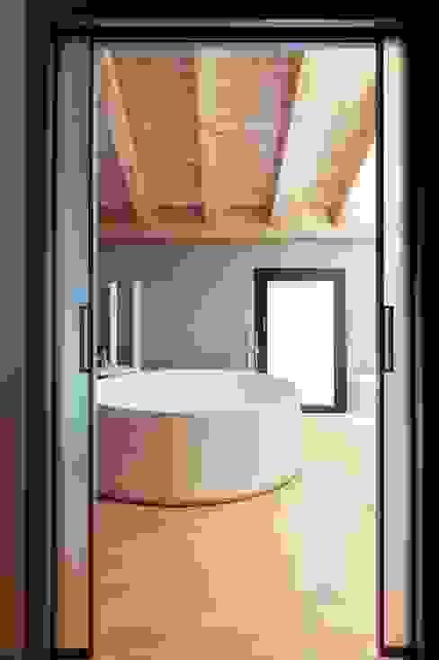 Ванные комнаты в . Автор – Marg Studio