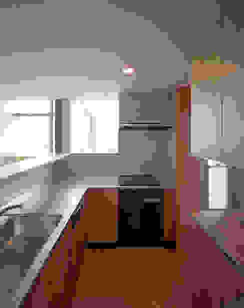 スキップテラスの家 オリジナルデザインの キッチン の 西島正樹/プライム一級建築士事務所 オリジナル