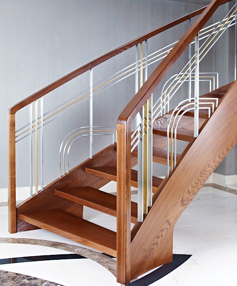 ST770 Nowoczesne schody gięte z jesiony termicznego / ST770 Modern Curved Stairs made of thermo Ash Couloir, entrée, escaliers modernes par Trąbczyński Moderne