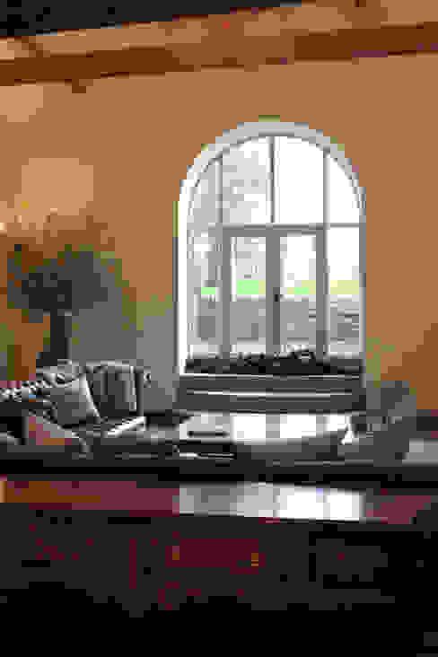 Ruang Keluarga by Vanessa Rhodes Interiors
