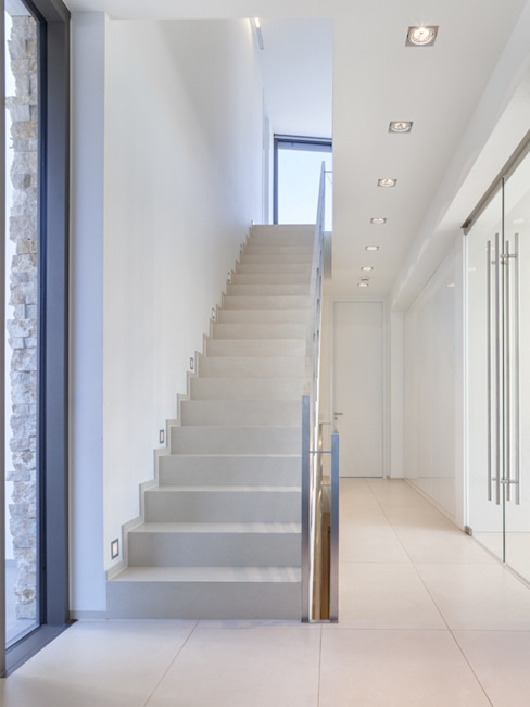 Corridor & hallway by Skandella Architektur Innenarchitektur