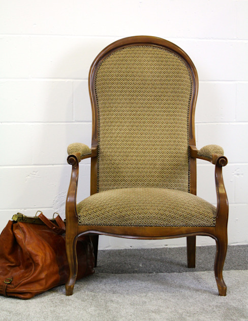 Voltaire chair: rustic  by Secolari and co. ltd, Rustic
