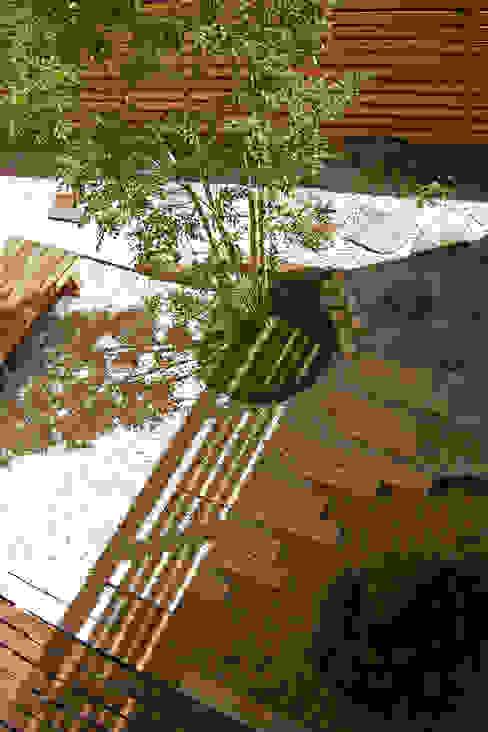 東中沢の家: 環境創作室杉が手掛けた庭です。,オリジナル