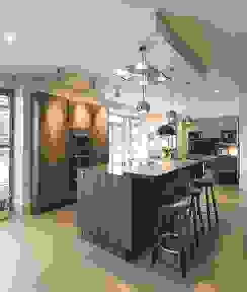 Regan Kitchen - Room of the Year / Northern Design Awards 2014 من Stuart Frazer تبسيطي