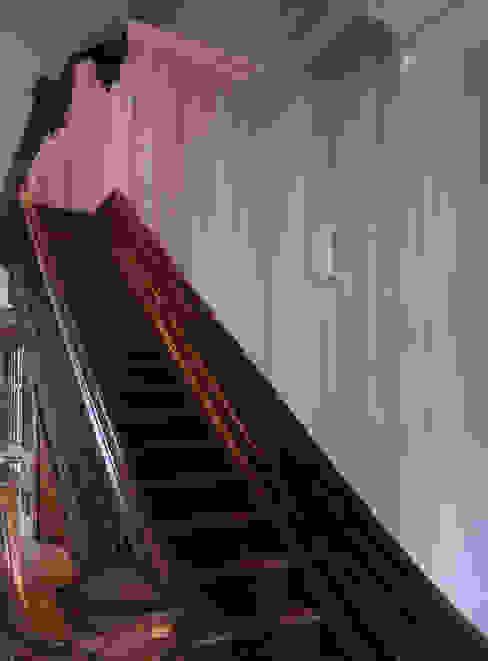 staircase, pointed curtains, Boston MA Workingbert Klassieke gangen, hallen & trappenhuizen