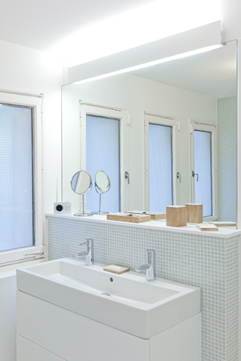 Maison Sainte Foy-Lès-Lyon Salle de bain minimaliste par Tymeno Minimaliste