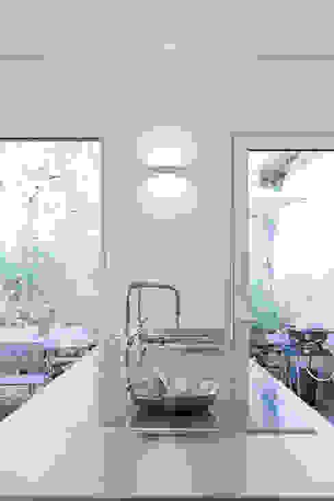 Maison Sainte Foy-Lès-Lyon Cuisine minimaliste par Tymeno Minimaliste