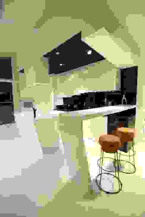 Cocinas de estilo minimalista de Orange Studio Minimalista