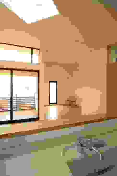 스칸디나비아 거실 by 中川龍吾建築設計事務所 북유럽