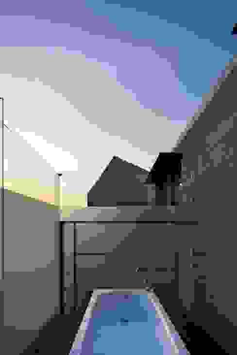 ARCHITECT GROUP CAAN Balcone, Veranda & Terrazza in stile moderno