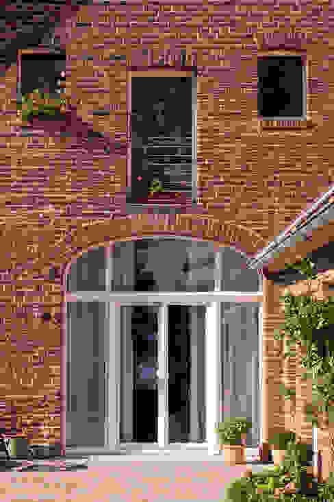 Ventanas de estilo  por Lecke Architekten, Rural