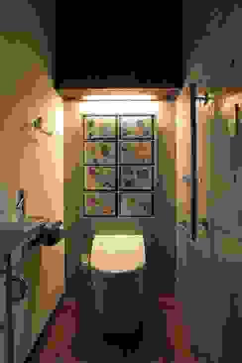 Phòng tắm theo 大島功市建築研究所 一級建築士事務所, Hiện đại