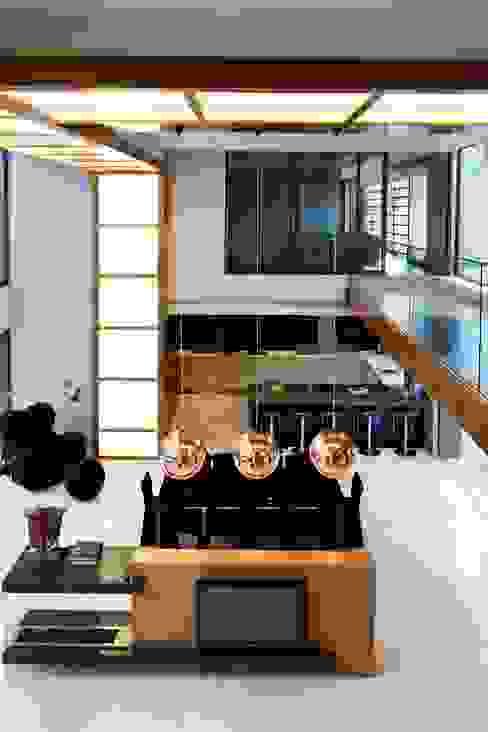 House Sed Modern Corridor, Hallway and Staircase by Nico Van Der Meulen Architects Modern