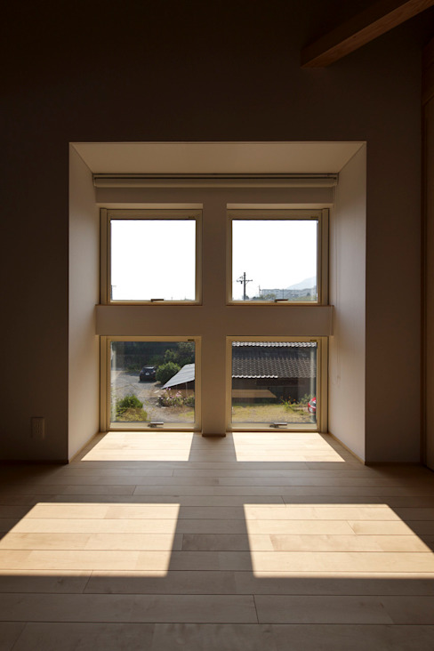Eclectic style windows & doors by 五藤久佳デザインオフィス有限会社 Eclectic