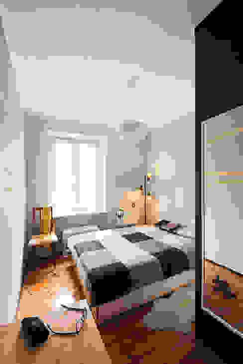 Projekt mieszkania Nowoczesna sypialnia od Za murami za dachami Nowoczesny