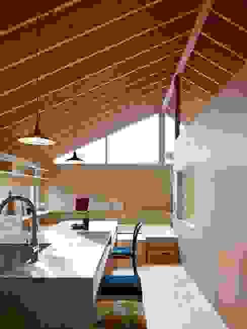 Houses by HANKURA Design, Eclectic