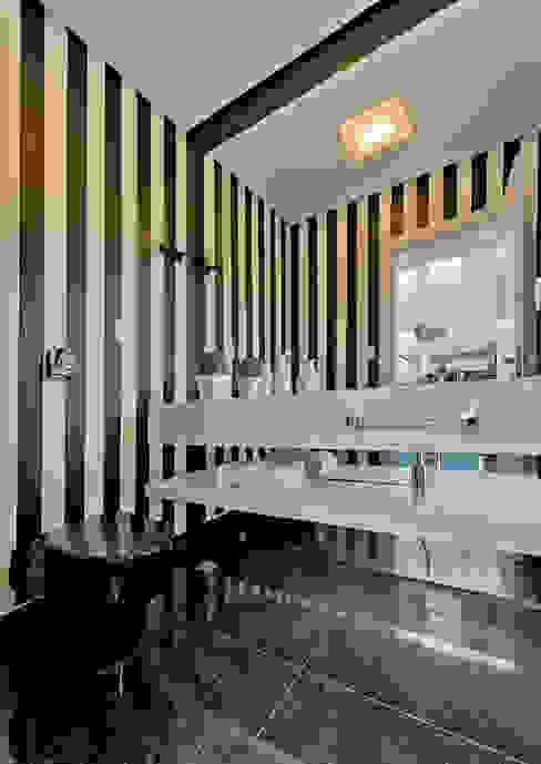 Modern Banyo Espaço do Traço arquitetura Modern