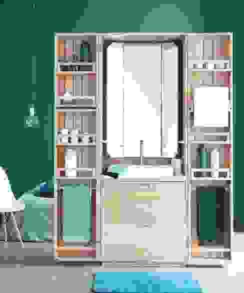 Bathrooms pop out the closet with La Cabine La Fonction Klasik