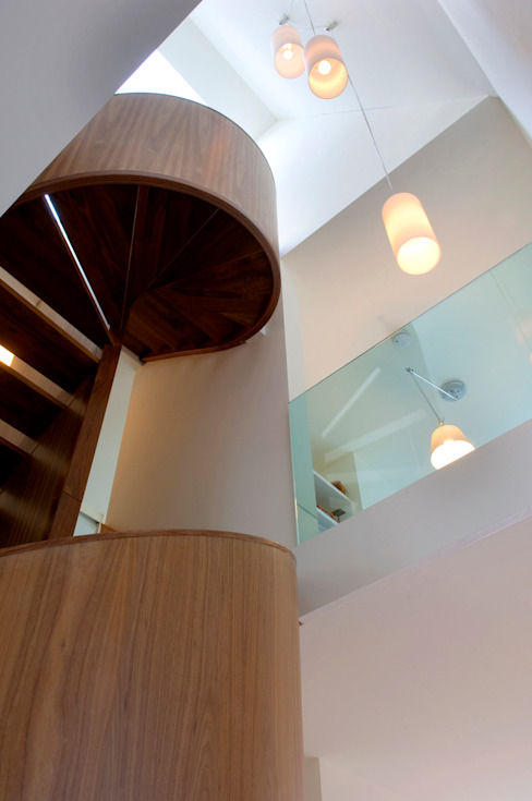 villa Loenen aan de Vecht Moderne gangen, hallen & trappenhuizen van paul seuntjens architectuur en interieur Modern