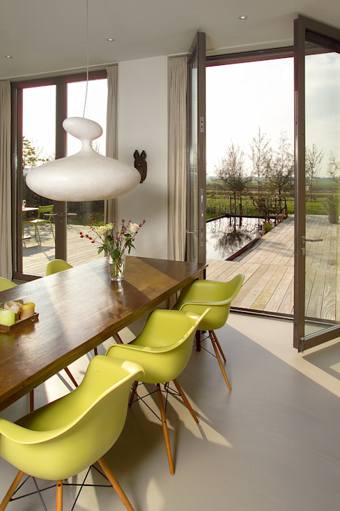 villa Loenen aan de Vecht Moderne eetkamers van paul seuntjens architectuur en interieur Modern