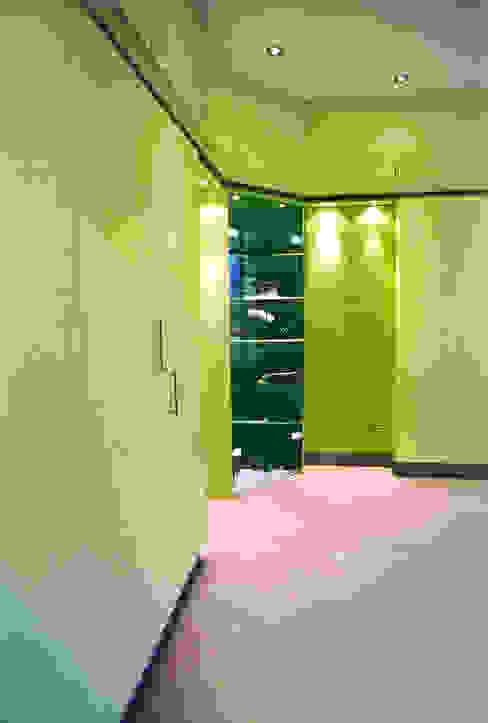 De kleedkamer 1:  Kleedkamer door ABC-Idee,