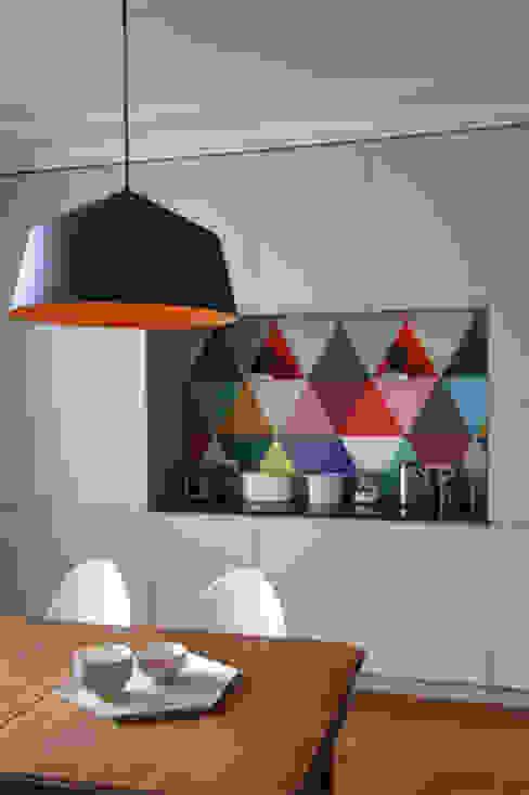 Dossier papier peint : Cuisine de style  par Camille Hermand Architectures, Moderne