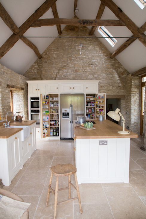 A Traditional Country Kitchen homify Country style kitchen