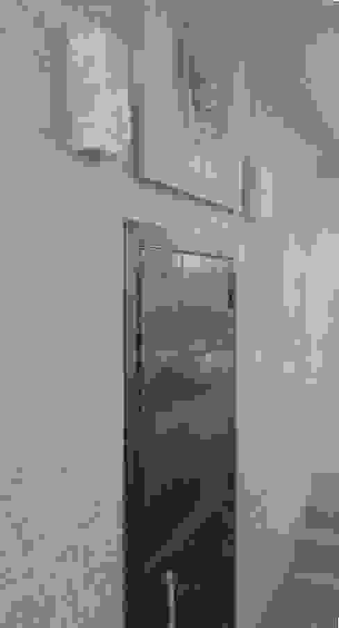 STUDIO DI ARCHITETTURA ZANONI ASSOCIATI Couloir, entrée, escaliers minimalistes