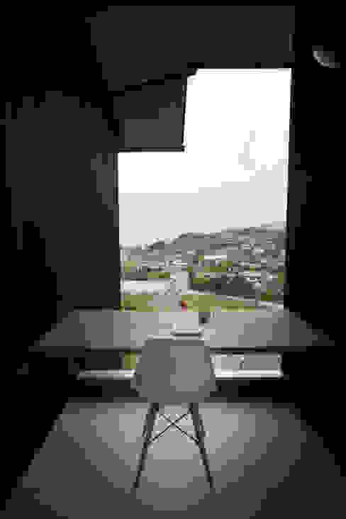 Tei reading deck Balcones y terrazas asiáticos de キリコ設計事務所 Asiático