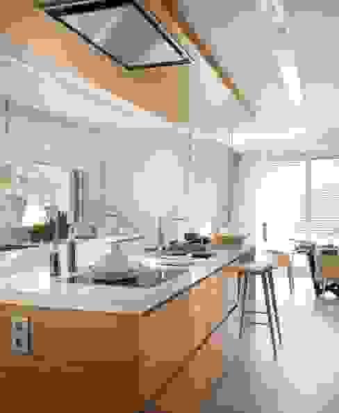 Cocina vanguardista Cocinas de estilo minimalista de Disak Studio Minimalista