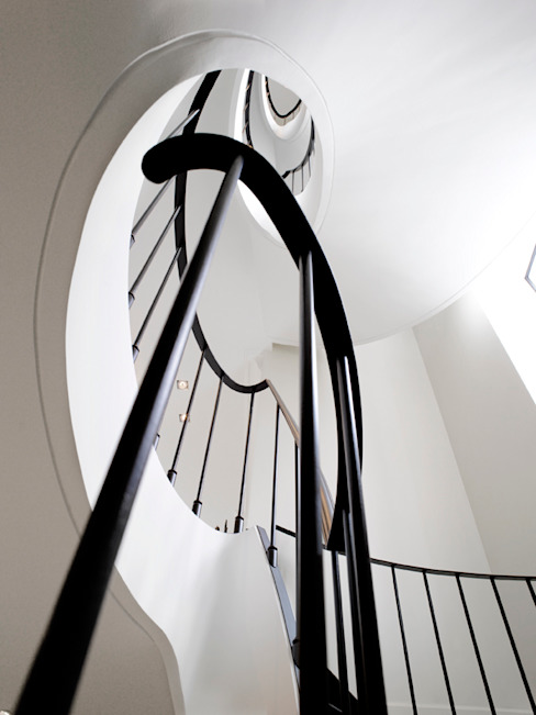 Modern Corridor, Hallway and Staircase by ligne V Modern