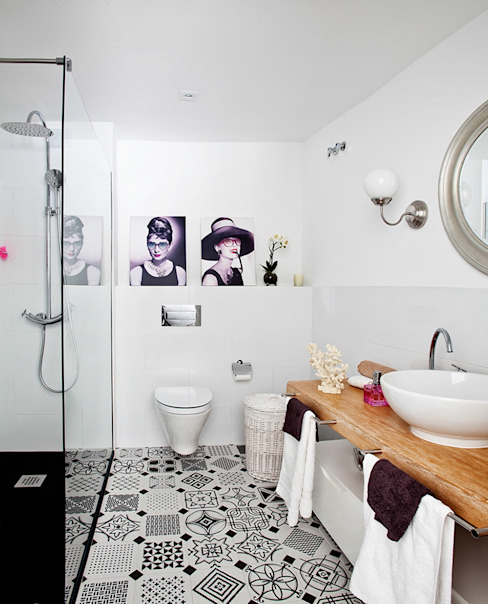 Eclectic style bathroom by Disak Studio Eclectic