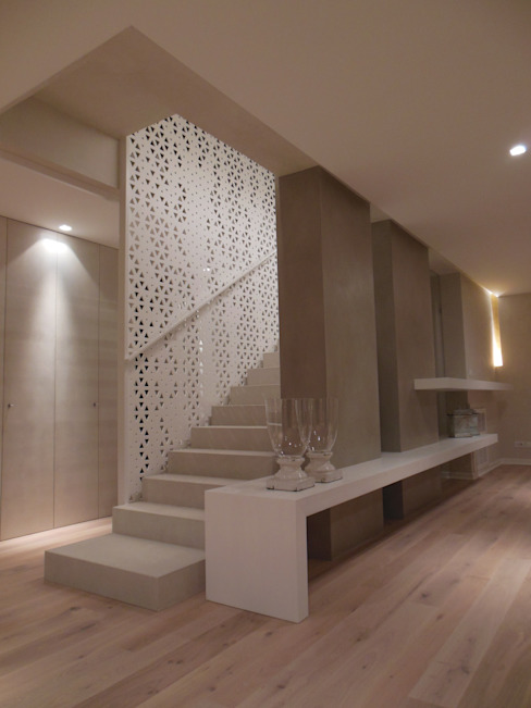 Mediterranean style corridor, hallway and stairs by RO|a_ Mediterranean