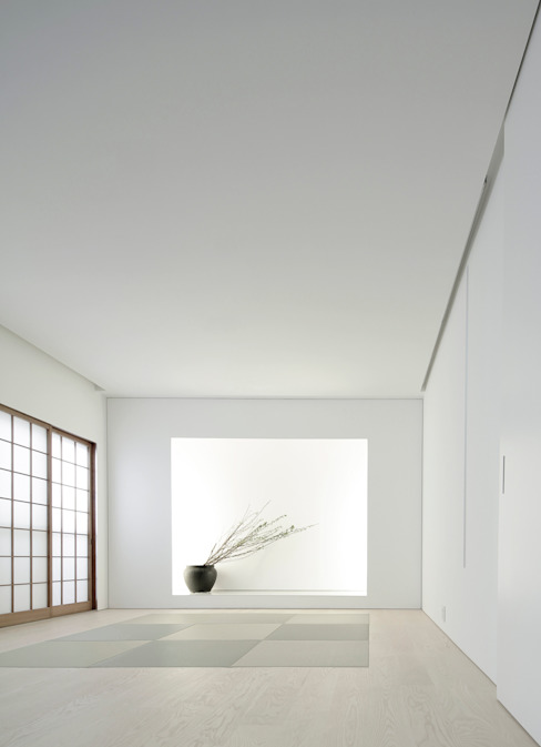 Minimalist living room by Jun Murata | JAM Minimalist