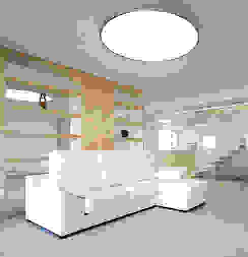 Minimalistische Wohnzimmer von Chiralt Arquitectos Minimalistisch