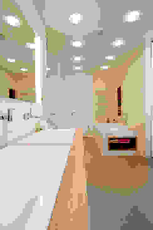 حمام تنفيذ SNAP Stoeppler Nachtwey Architekten BDA Stadtplaner PartGmbB, حداثي