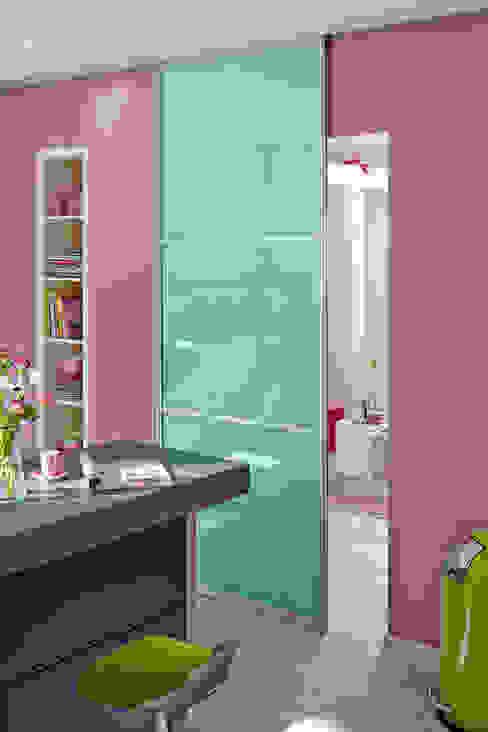 Salas de estilo  por Elfa Deutschland GmbH, Moderno