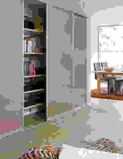 Modern living room by Elfa Deutschland GmbH Modern