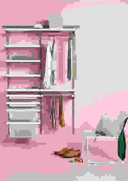 Closets minimalistas por Elfa Deutschland GmbH Minimalista