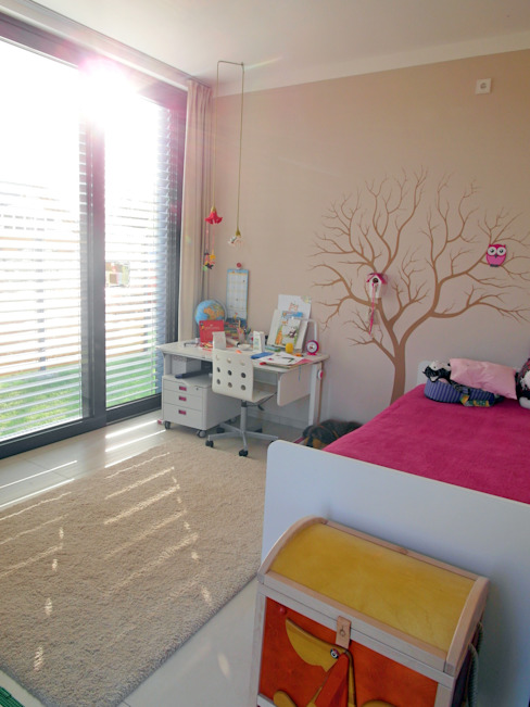 Nursery/kid's room by smartshack, Minimalist