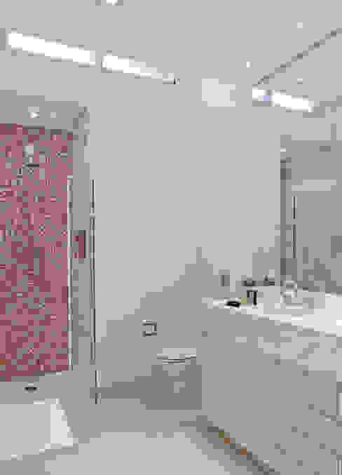 Banheiro master Banheiros ecléticos por ArkDek Eclético