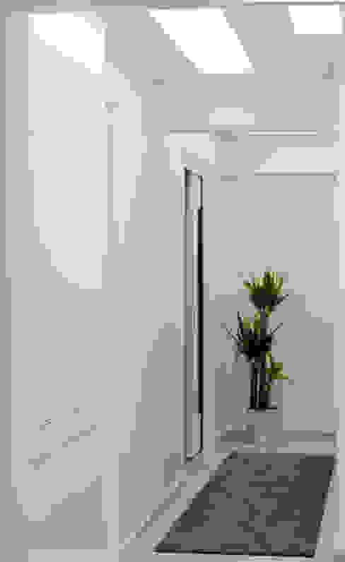 Corridor & hallway by As Tasarım - Mimarlık, Modern