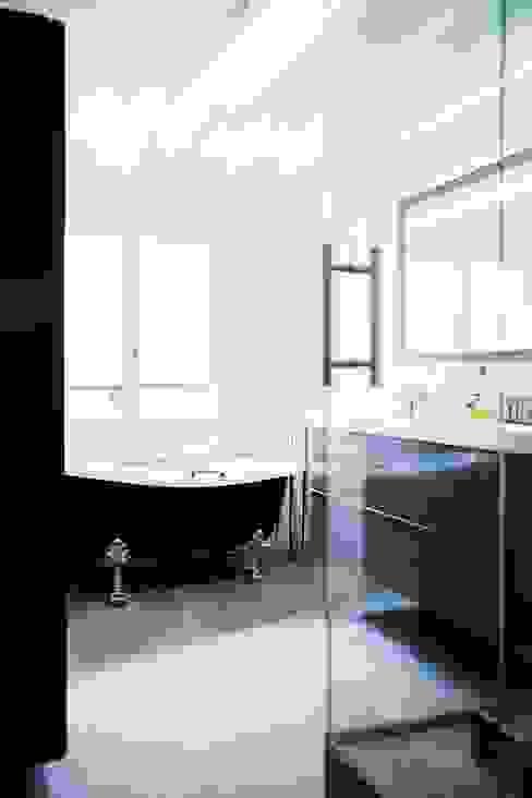 Bathroom by Hélène de Tassigny